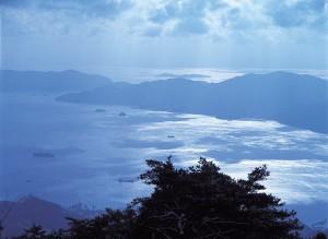 野呂山から望む多島美